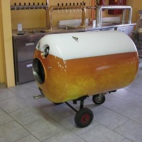 Polep pivního tanku