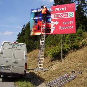 instalace billboardu