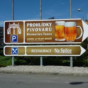navigace před areálem Plzeňského Prazdroje
