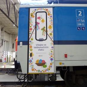 polep velikonočního vlaku