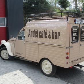 polep Citroenu kachna - Anděl Cafe
